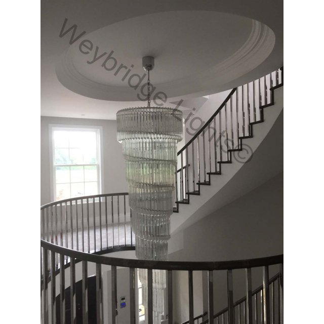 Spirale Stairwell Chandelier with Quadriedro Murano Glass